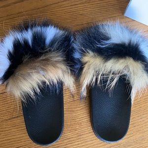 Faux fur slides NWT